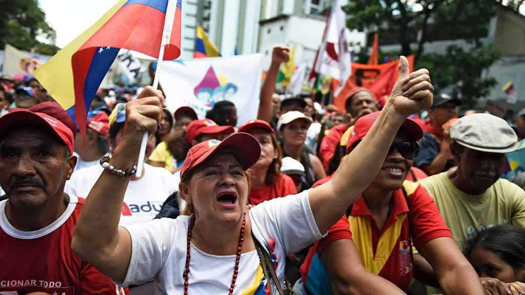Venezuelans Rally in Rival Protests as Crisis Intensifies