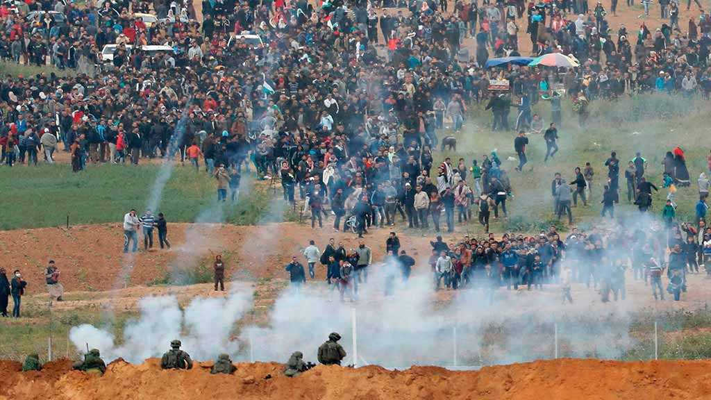 Four Palestinians Martyred in Gaza Protests, IOF Shelling