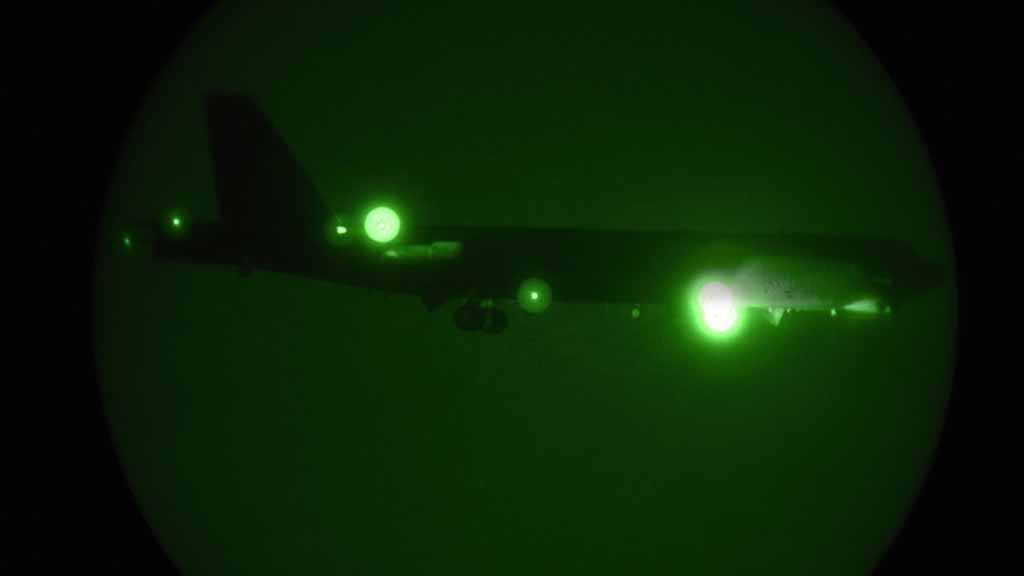 US Deploys B-52 Bombers to Qatar amid Iran Threat Hiatus