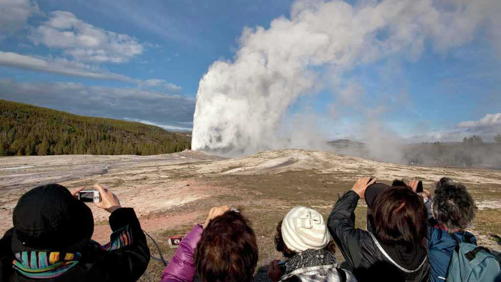 Yellowstone Supervolcano Eruption Will Destroy Most of US