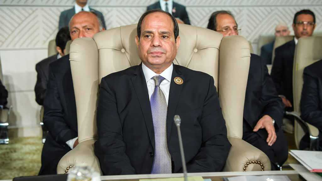 Egypt's Al-Sisi Pardons 560, Including Prominent Columnist