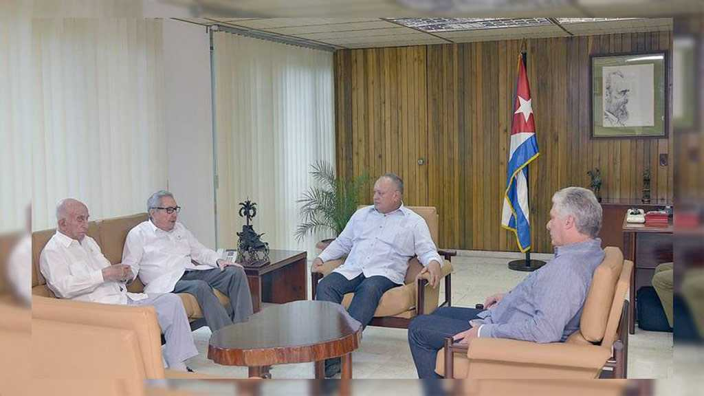 Venezuela Socialist Party Deputy Meets Cuba's Castro in Show of Unity