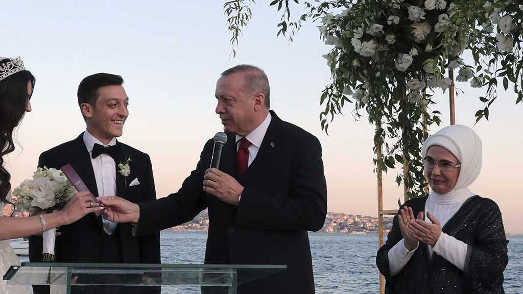 Arsenal Star Ozil Gets Married in Istanbul with President Erdogan as Best Man