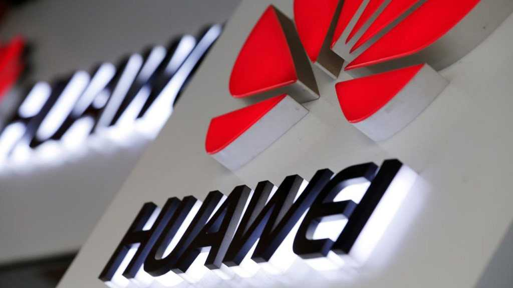 Huawei to Ship Devices with Its New OS in October