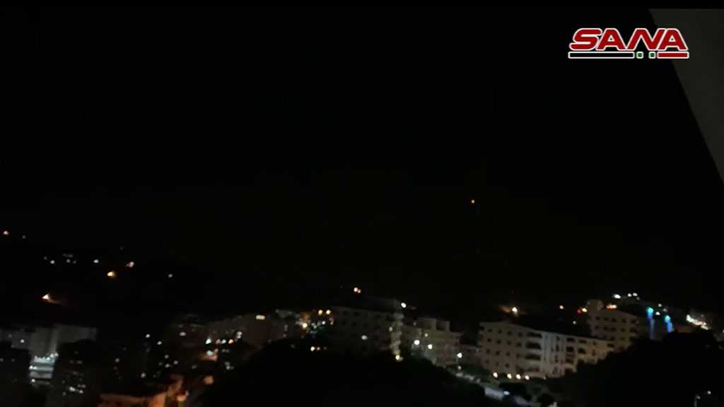 Syrian Air Defenses Intercept 'Israeli' Missiles Aimed At Military Sites in Homs, Damascus; Casualties Reported