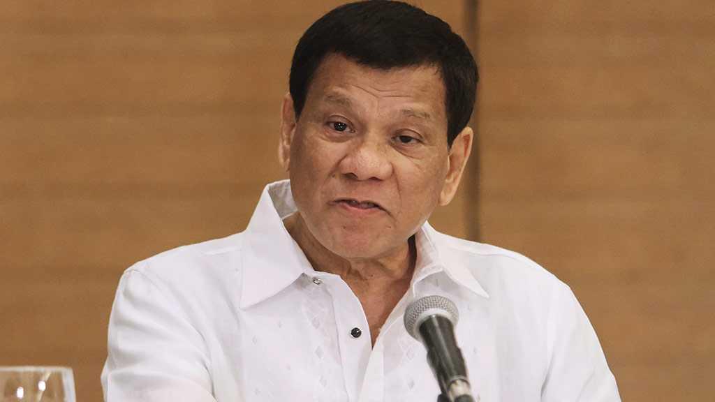 Philippines' Duterte Dares US to Bring Its Fleet & Declare War on China