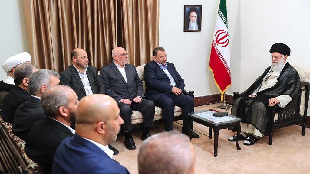Imam Khamenei: Sayyed Nasrallah's Performing Prayers at Quds is an Absolutely Achievable Aspiration