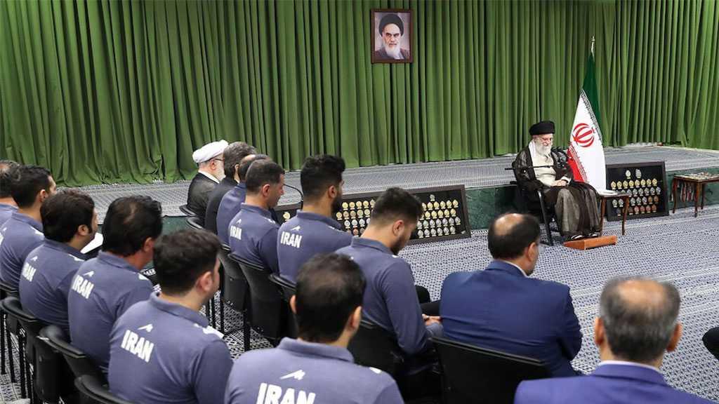 Imam Khamenei Urges Iranian Youths to Expand Borders of Science