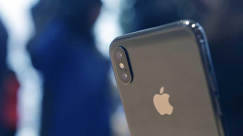 Apple to Pay $1 M Bounty to Anyone Who Can Hack iPhone