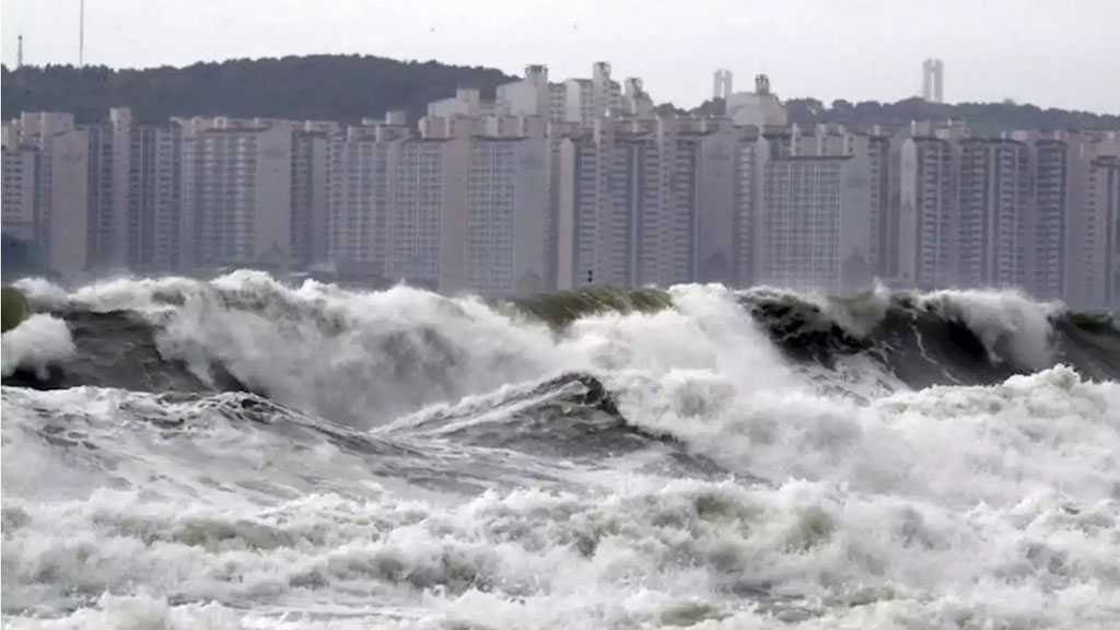 S Korea Typhoon Leaves Thousands without Electricity, Suspends Hundreds of Flights