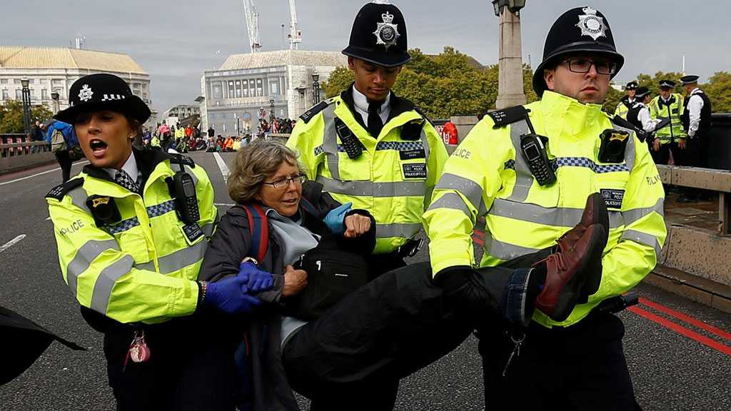 London Police Arrest 276 Climate Change Protestors