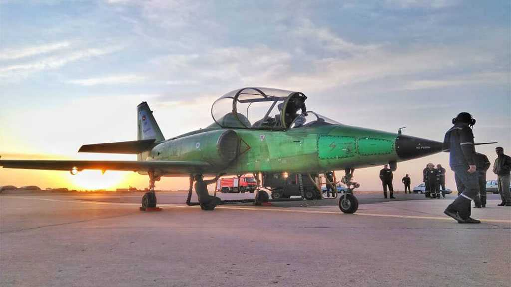 Iran Unveils Homegrown Modern Training Jet 'Yasin'