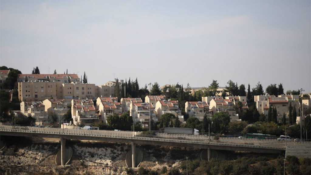 'Israel' To Double Settlers Population in Occupied Al-Khalil