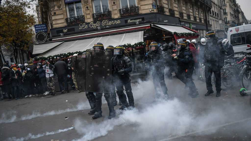Paris Police Fear More Violence at 'Yellow Vest' Saturday Marches