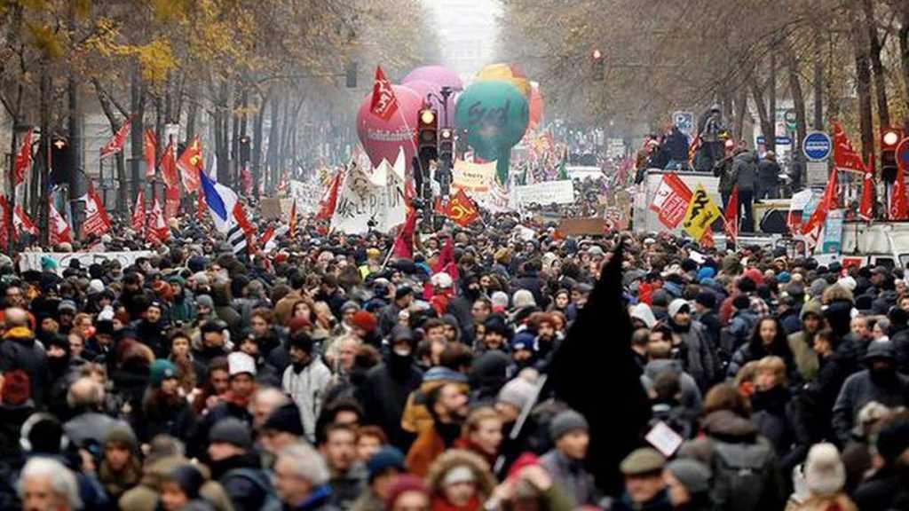 Fresh Turmoil Awaited in France on General Strike's Third Day