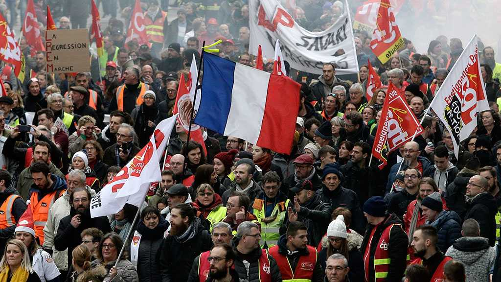 France Protests: 615k Protesters Take Part in Rallies against Gov't Pension Reform