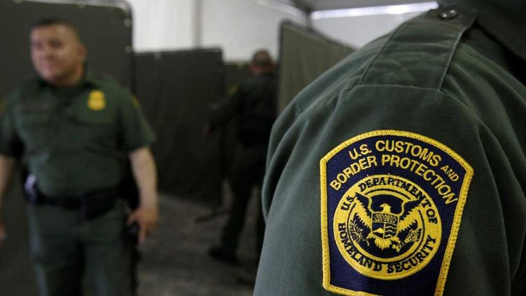 Report: US Border Officers Directed to Stop Iranian-Born Travelers