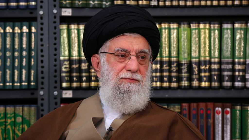 Imam Khamenei Thanks Iran's Health Minister, Medical Staff for Bravely Fighting Coronavirus