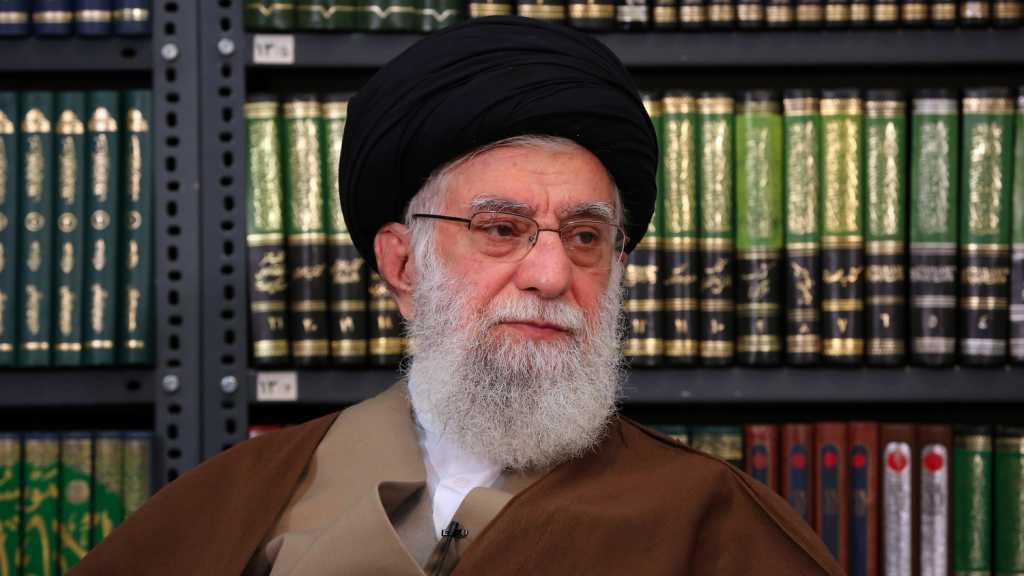 Imam Khamenei Thanks Iran's Health Minister, Medical Staff for Bravely Fighting Coronavirus