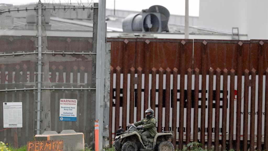 US Continues Border Wall Construction despite Covid-19