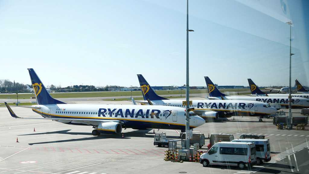 "Chief of Europe's Largest Lowcoster Ryanair: UK's Response to Covid-19 ""Idiotic"""