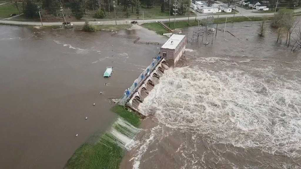 Central Michigan Severely Flooded After Dams Collapse, Thousands Displaced