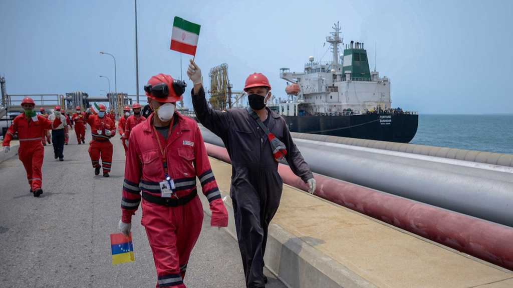 Shamkhani Lauds Crew of Iran's Oil Tankers for Humiliating US Sanctions