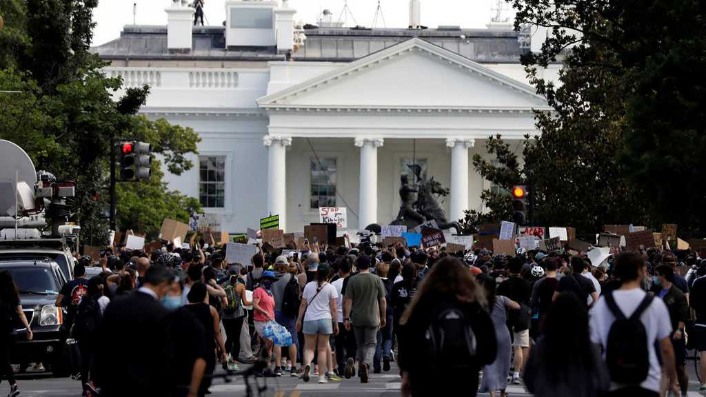 US: Thousands of Protesters Defy DC Police Curfew Outside White House