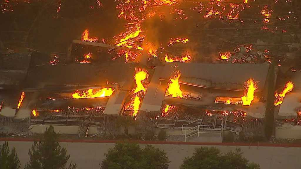 Fire Entirely Destroys Amazon Distribution Warehouse in Los Angeles