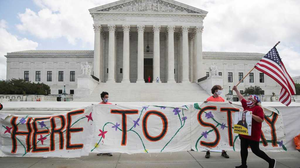 US Supreme Court Thwarts Trump Plan to End 'Dreamers' Immigrant Program