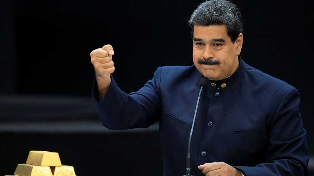 Venezuelan Rivals Maduro and Guaido Tussle for Power
