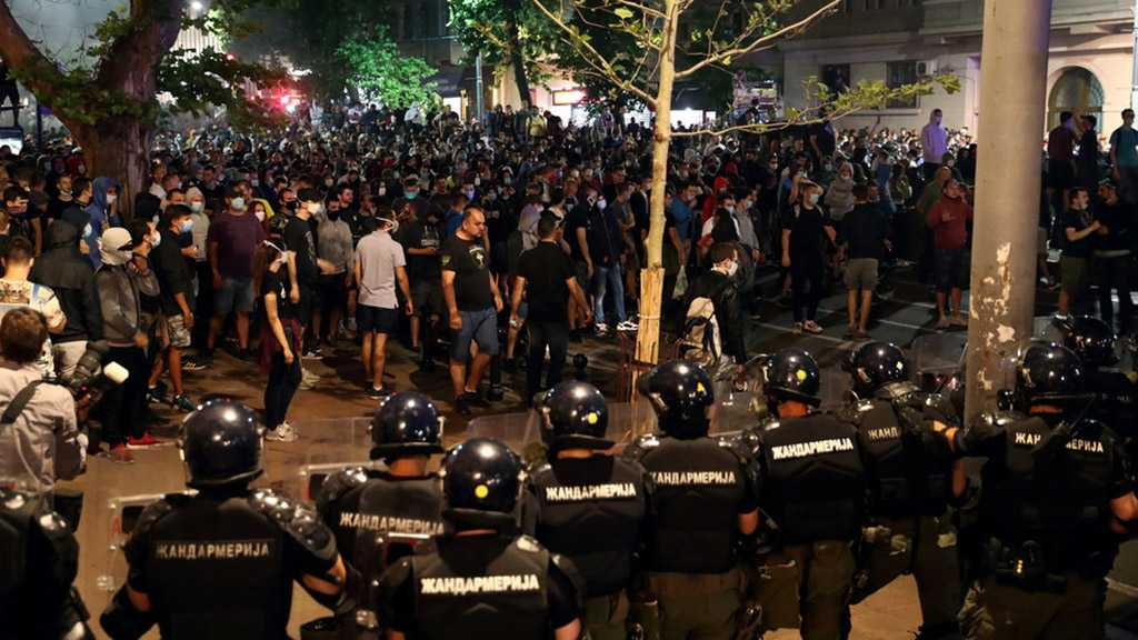 """Serbian Defense Minister: Protests Are """"Coup Attempt""""', Aim to Spark Civil War"""