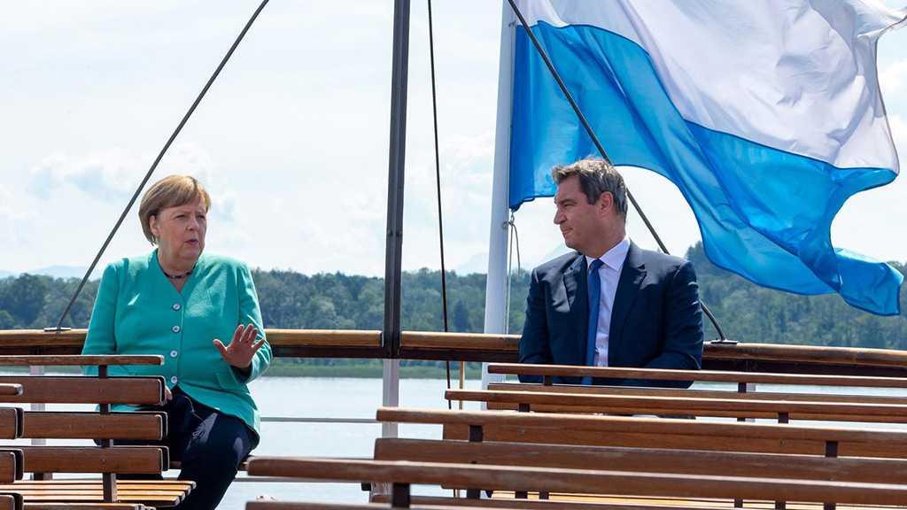 Merkel Refuses to Endorse Bavarian Premier as Successor