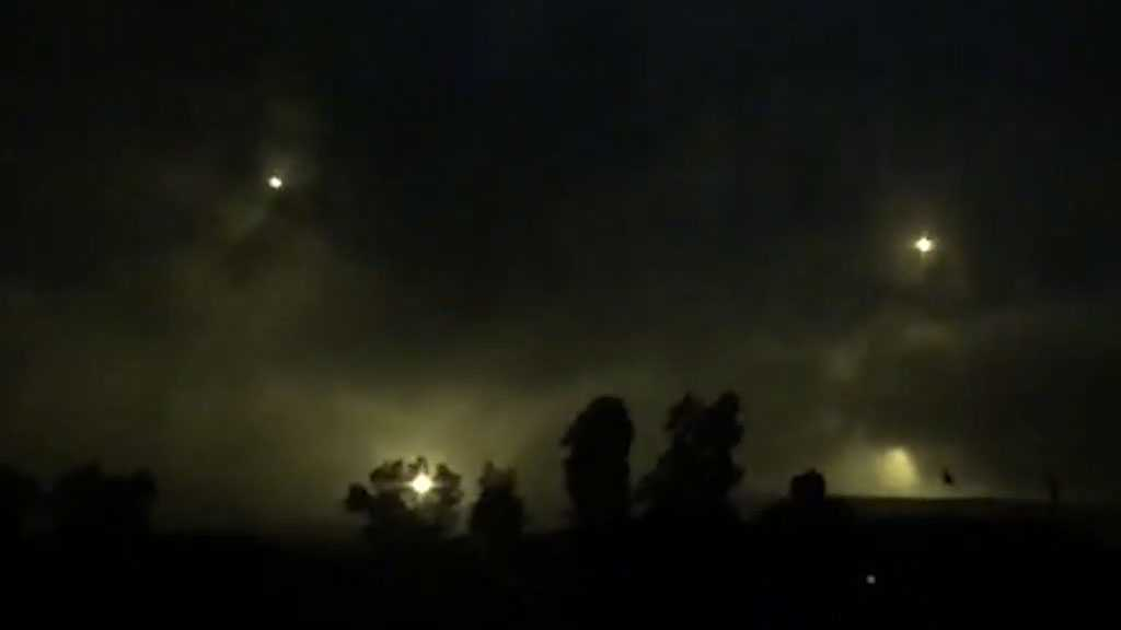 'Israel' Targets Lebanon's Labbouneh, South Naqoura with Flare Bombs