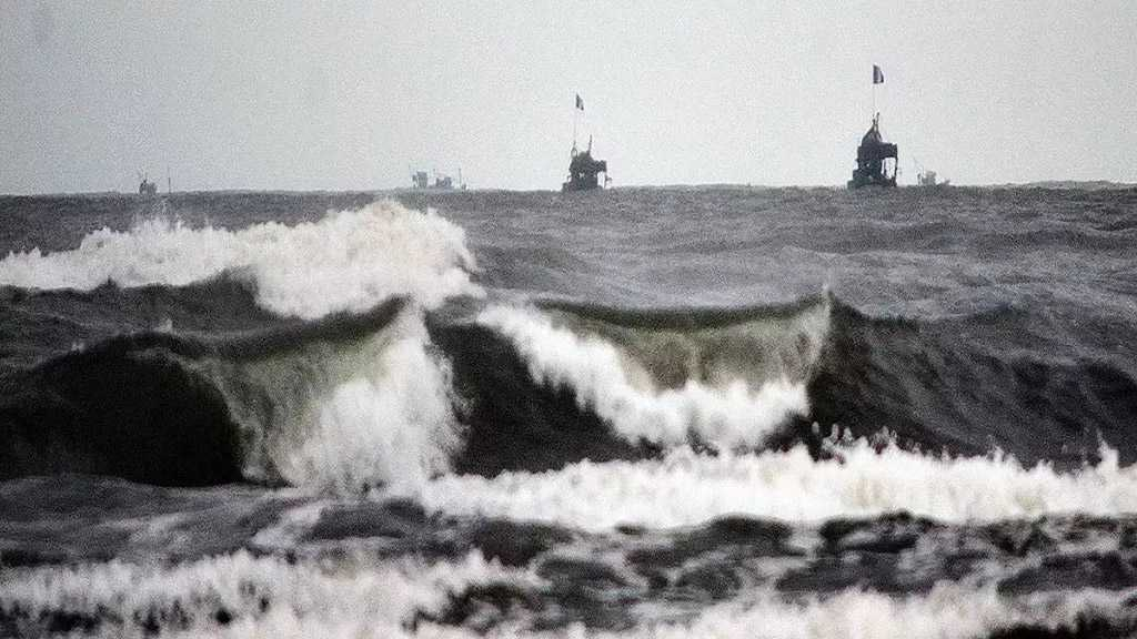 UK Warship Seizes 450 Kilograms of Meth in Arabian Sea