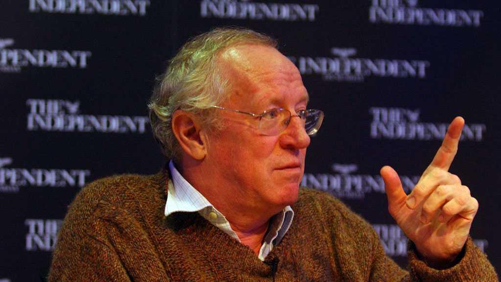 Prominent Journalist Robert Fisk Dies at 74