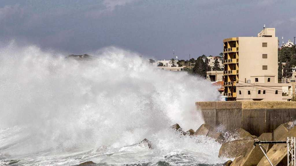Autumn Weather Sets in As Thunderstorms Rain Down on Lebanon
