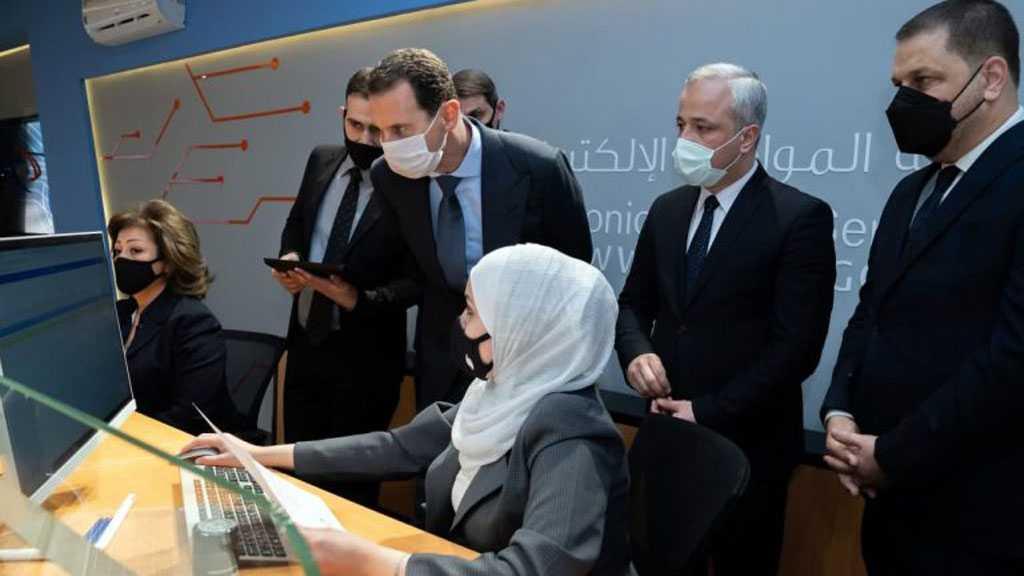 Assad Visits Electronic Citizen Service Center in Damascus