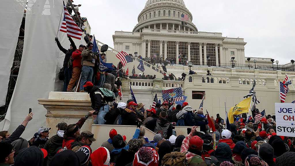 US Congress in Turmoil as Violent Trump Supporters Breach Building