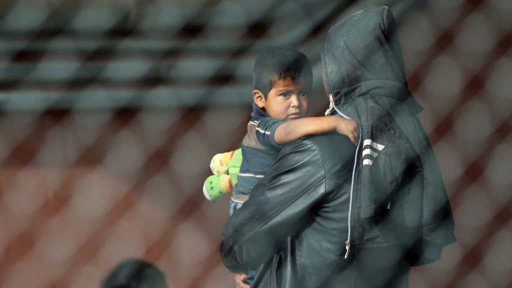 Kids in Cages! 700+ Children Remain in Detention at US Border