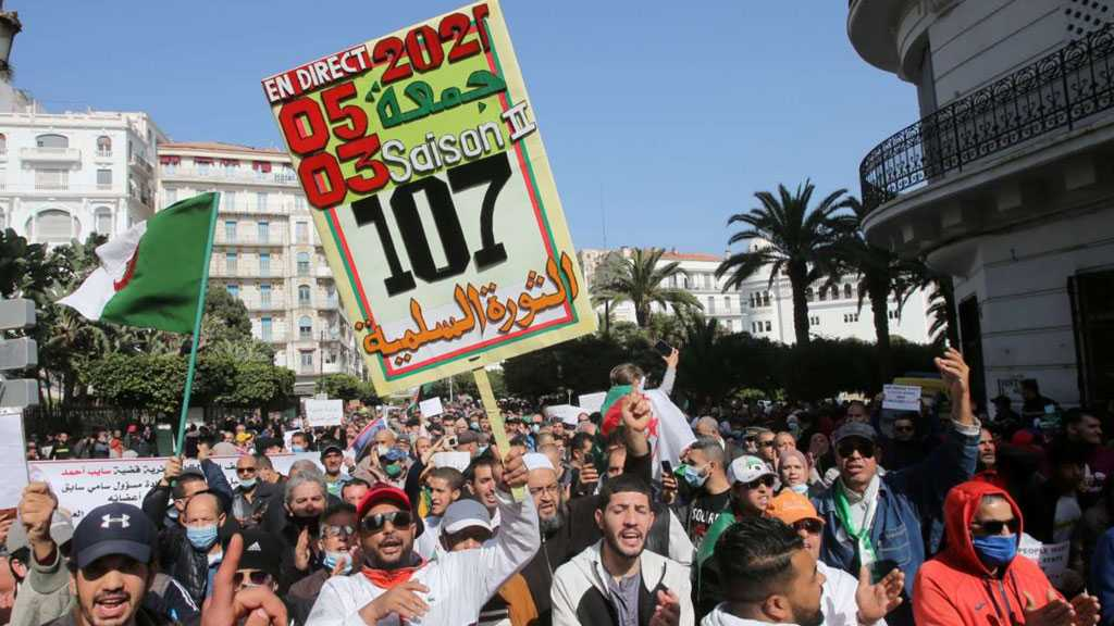 Thousands Hit Algerian Streets in Fresh Protests
