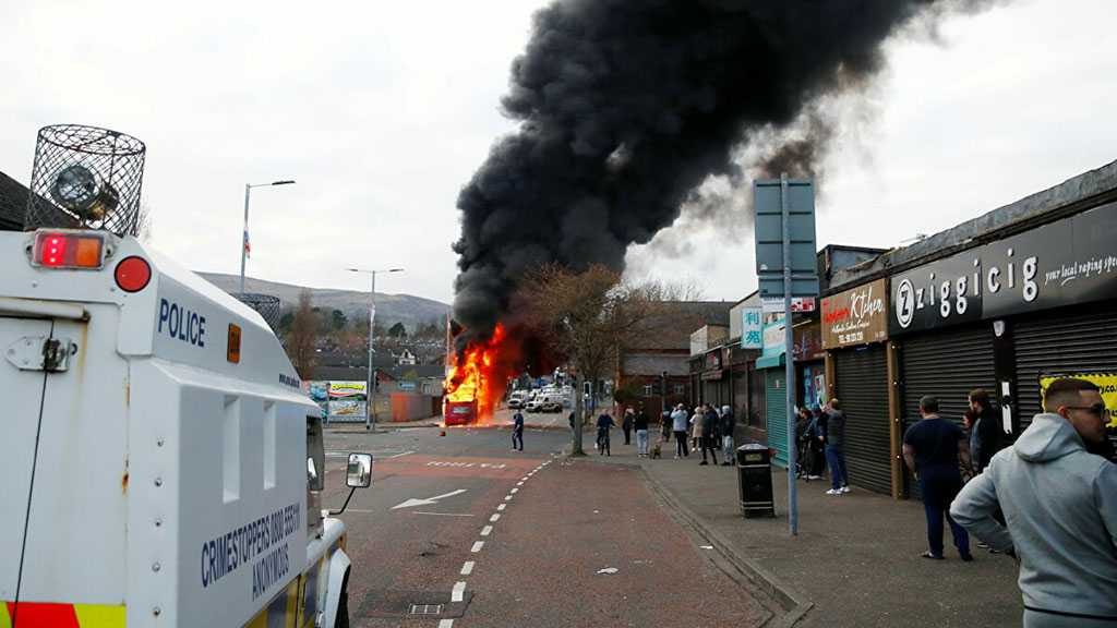 N Ireland Unrest: Riots Enter 6th Day, Leaders Call for End to Disorder