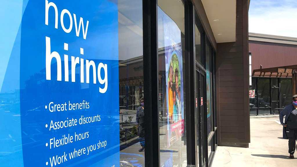 US Unemployment Claims Fall Further Hitting New Pandemic Low