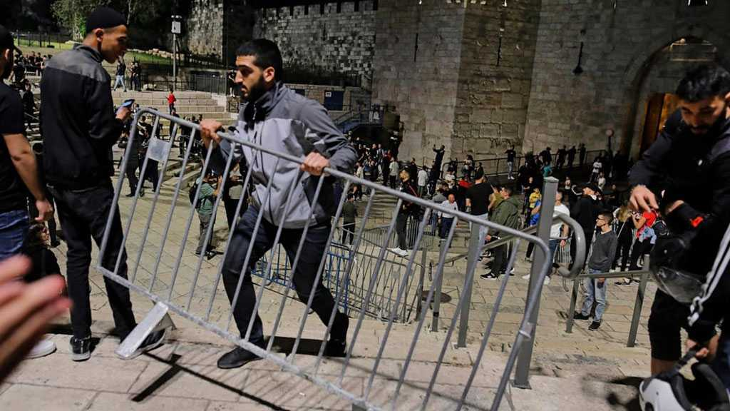 Al-Quds Confrontations Continue As 'Israel' Restricts Worshipers' Access to Al-Aqsa Mosque