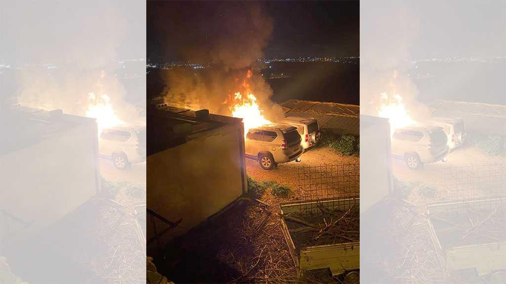 'Israeli' Settlers Set Palestinian Cars on Fire in Beit Iksa