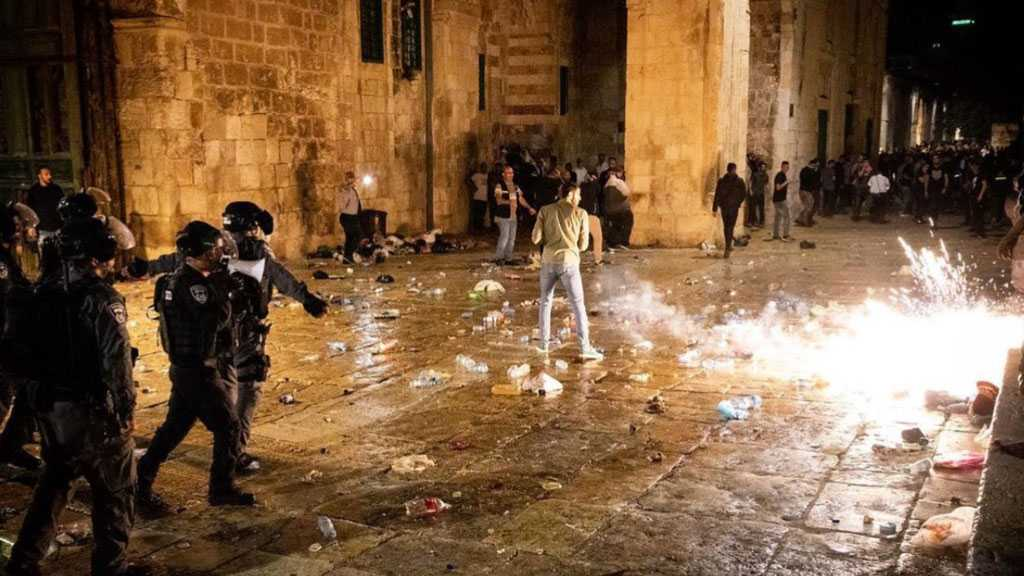 Dozens of Palestinians Injured, Arrested in Violent 'Israeli' Raid on Al-Aqsa Mosque