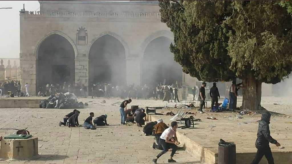 'Israeli' Occupation Forces Violently Storm Al-Aqsa Mosque, Attack Worshipers