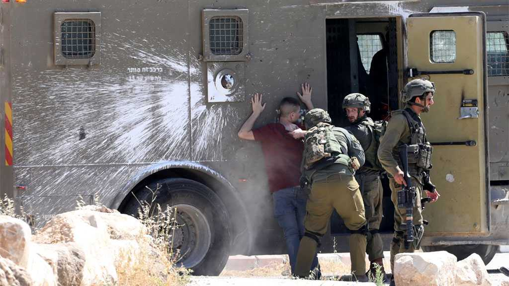 'Israeli' Occupation Troops Arrest 25 Palestinians in the Occupied West Bank