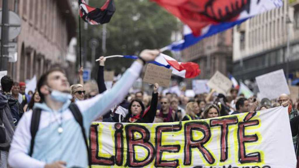 French Hospital Goes on Indefinite Strike to Protest COVID Vaccination Mandate