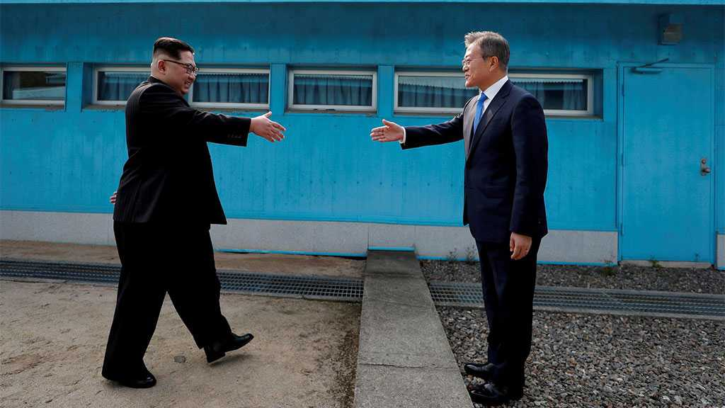 Report: Koreas in Talks to Reopen Joint Office, Hold Summit